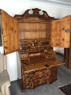 18th century Baroque Cabinet with Secretaire - 813512