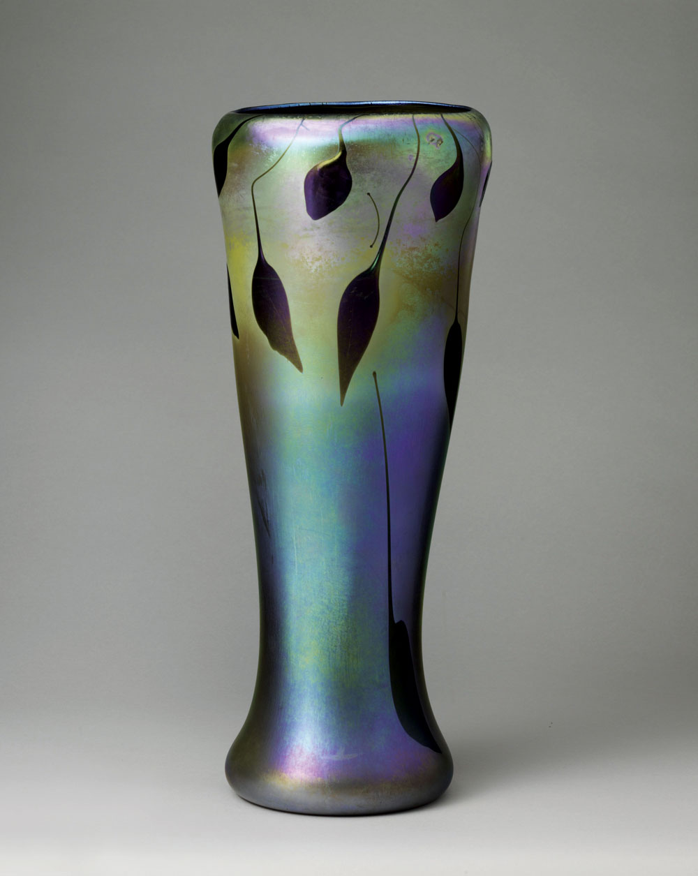 Louis comfort tiffany and laurelton hall incollect 6 vase louis comfort tiffany 18481933 tiffany glass and decorating company or tiffany furnaces circa 19001915 favrile glass 23 x 9 38 in reviewsmspy