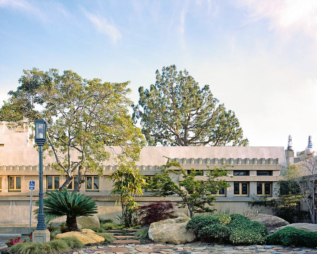 Frank lloyd wright s hollyhock house will reopen in for Hollyhock house